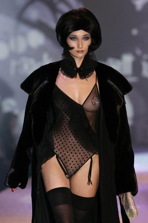 法国巴黎超级内衣秀 迷情内衣秀 模特图库