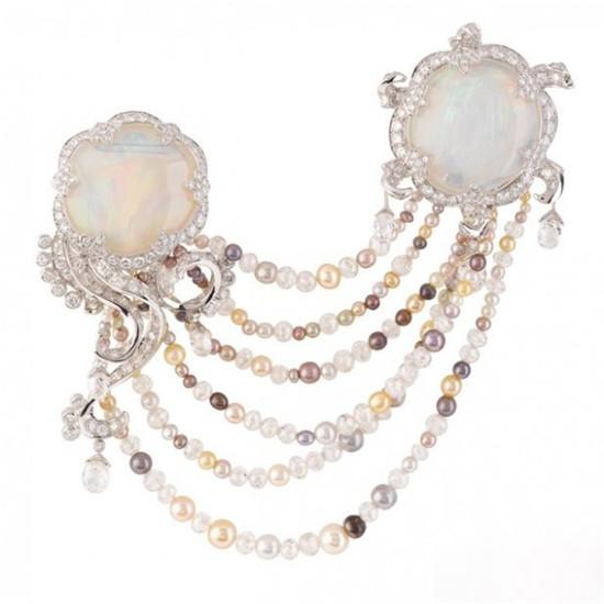 迷幻诱人的欧泊珠宝十月生辰石