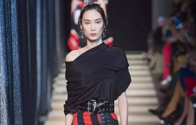 新面孔超模薛冬琪秀场集锦