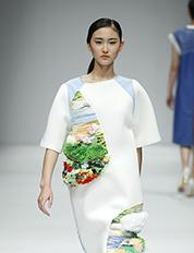 北京新面孔时尚艺术高中学生亮相大学生时装周